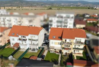 2 BYTOVÉ DOMY V SLOVENSKOM GROBE - 18 BYTOV